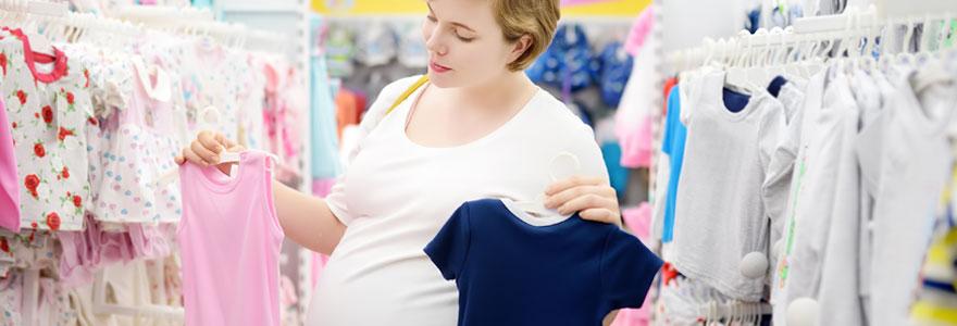 Les indispensables en matière de vêtements pour bébés